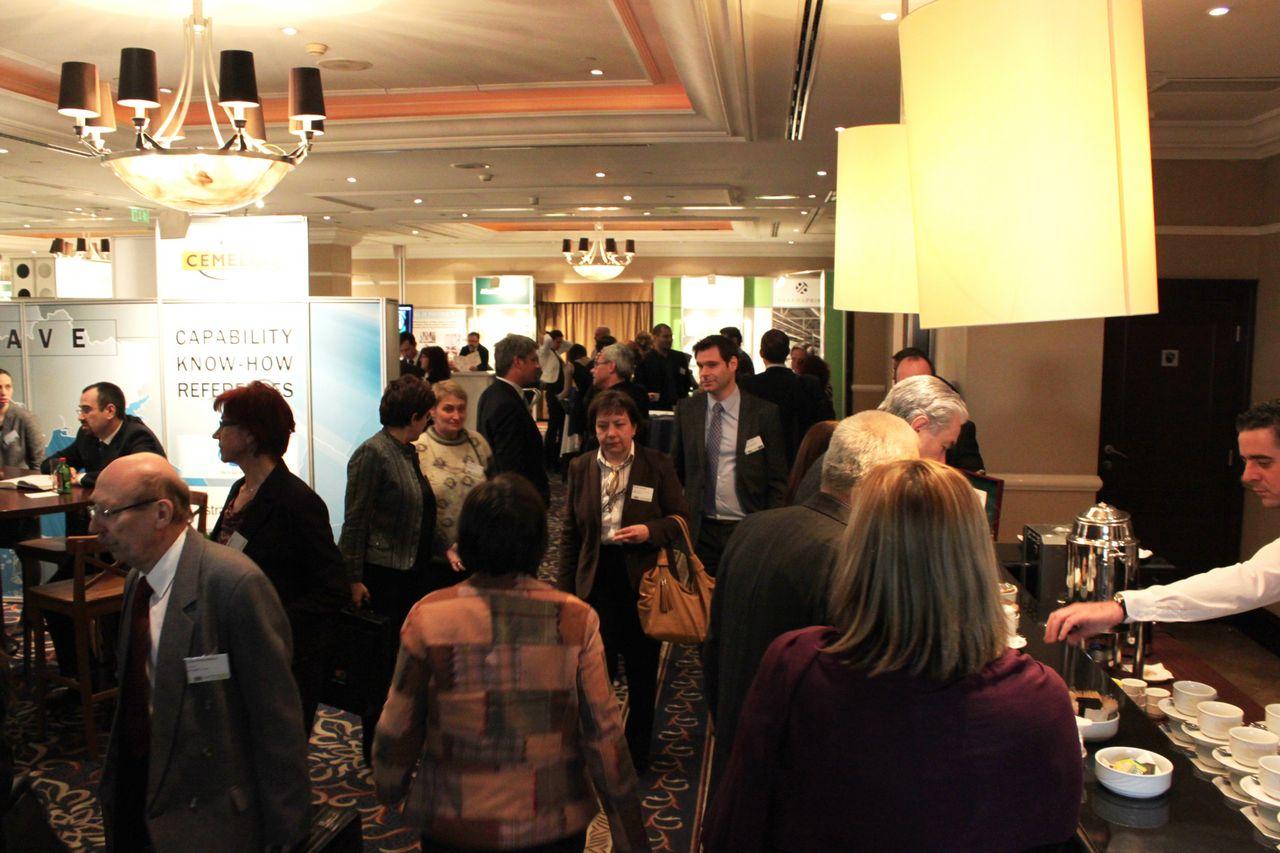 Building relationships and networking for pharmaceutical experts